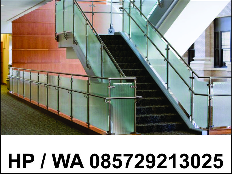 Railing tangga kaca tempered