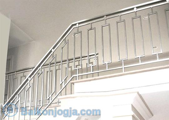 Jasa Pemasangan Dan Pembuatan Railing Tangga Stainless Terpercaya