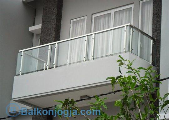 Jasa Pembuatan Balkon Kaca Jogja